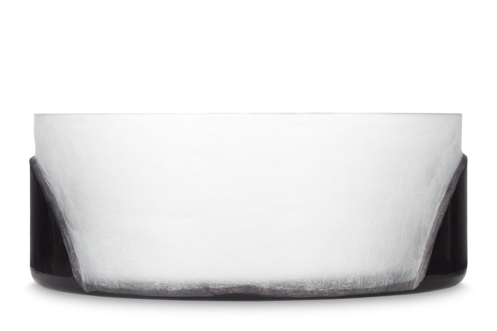 https://res.cloudinary.com/clippings/image/upload/t_big/dpr_auto,f_auto,w_auto/v1573040568/products/carved-bowl-set-of-4-tom-dixon-clippings-11324983.jpg