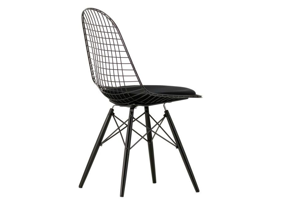 https://res.cloudinary.com/clippings/image/upload/t_big/dpr_auto,f_auto,w_auto/v1573116930/products/eames-dkw-5-wire-dining-chair-seat-pad-vitra-charles-ray-eames-clippings-11325371.jpg