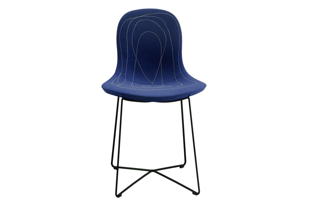 https://res.cloudinary.com/clippings/image/upload/t_big/dpr_auto,f_auto,w_auto/v1573124103/products/doodle-chair-tacchini-claesson-koivisto-rune-clippings-11325500.jpg