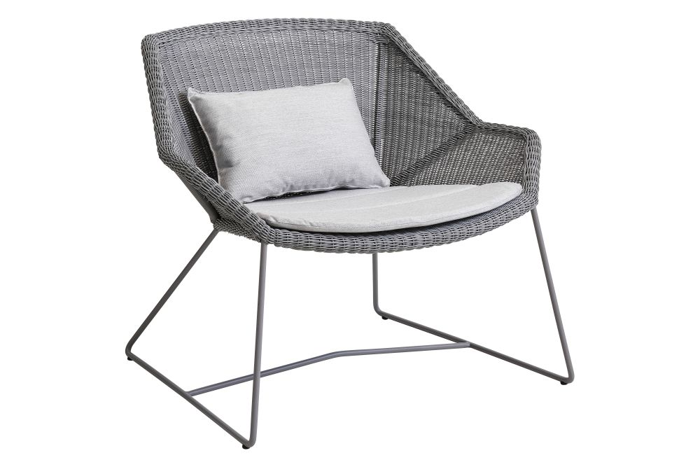 https://res.cloudinary.com/clippings/image/upload/t_big/dpr_auto,f_auto,w_auto/v1573126519/products/breeze-lounge-armchair-with-cushion-cane-line-strandhvass-clippings-11325702.jpg