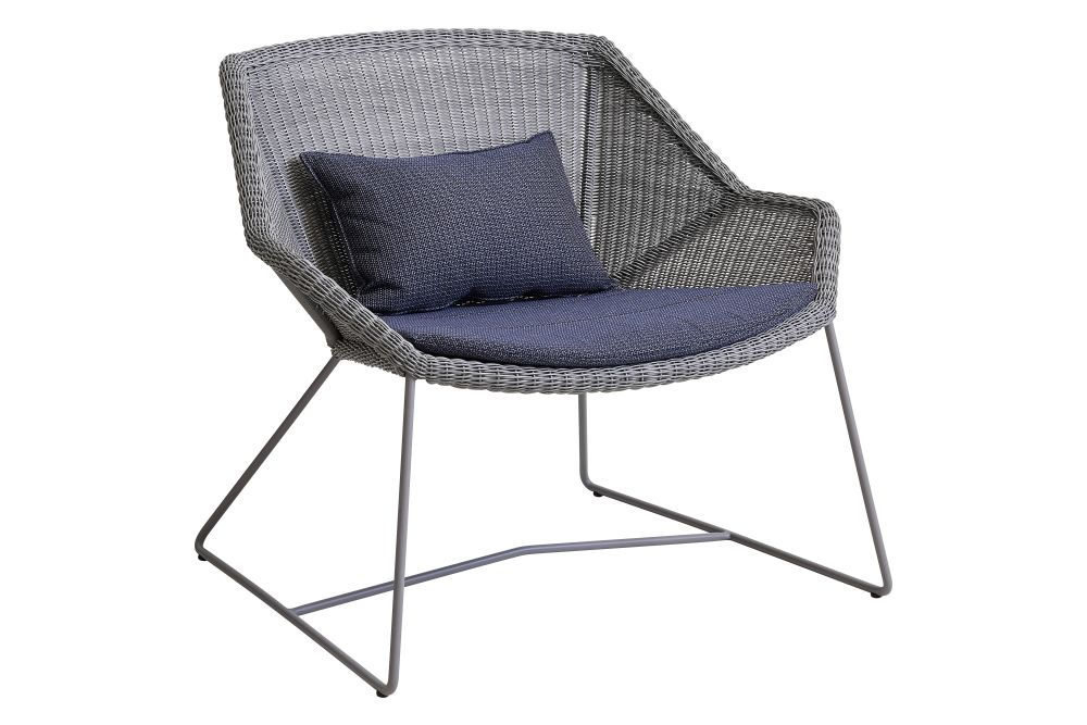 https://res.cloudinary.com/clippings/image/upload/t_big/dpr_auto,f_auto,w_auto/v1573126520/products/breeze-lounge-armchair-with-cushion-cane-line-strandhvass-clippings-11325703.jpg