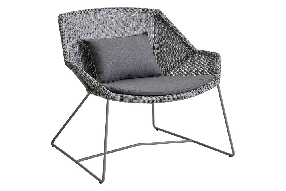 https://res.cloudinary.com/clippings/image/upload/t_big/dpr_auto,f_auto,w_auto/v1573126525/products/breeze-lounge-armchair-with-cushion-cane-line-strandhvass-clippings-11325704.jpg
