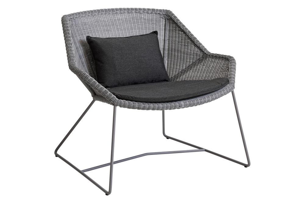 https://res.cloudinary.com/clippings/image/upload/t_big/dpr_auto,f_auto,w_auto/v1573126525/products/breeze-lounge-armchair-with-cushion-cane-line-strandhvass-clippings-11325707.jpg