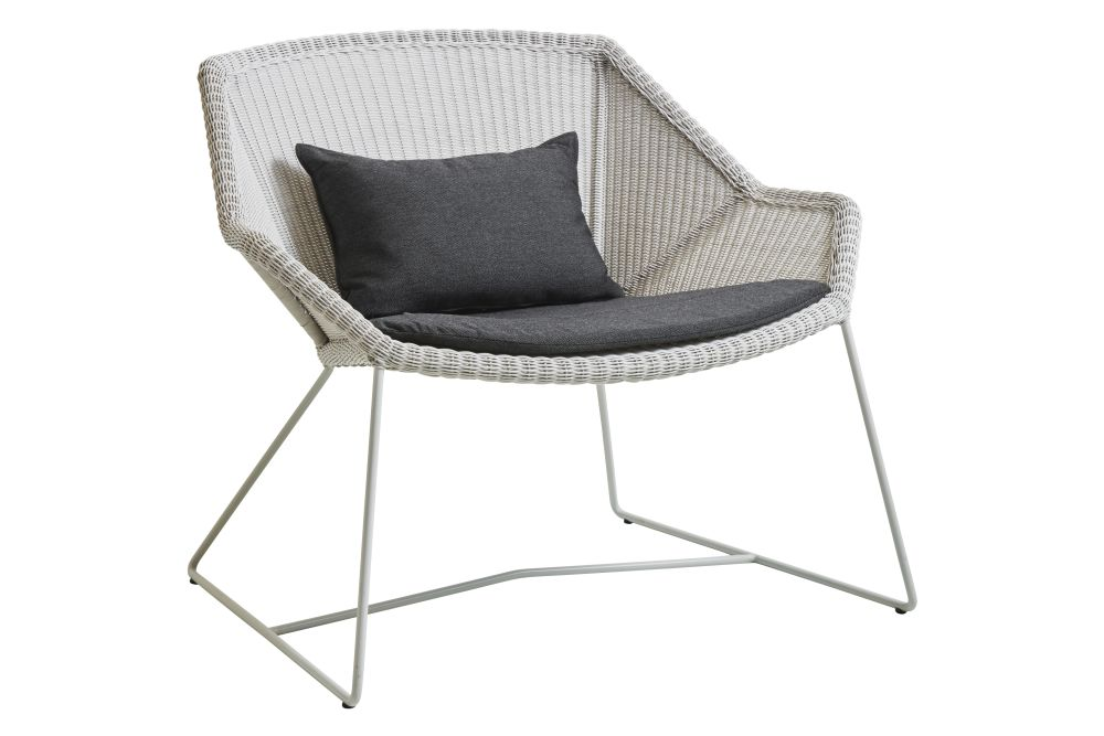 https://res.cloudinary.com/clippings/image/upload/t_big/dpr_auto,f_auto,w_auto/v1573126533/products/breeze-lounge-armchair-with-cushion-cane-line-strandhvass-clippings-11325708.jpg