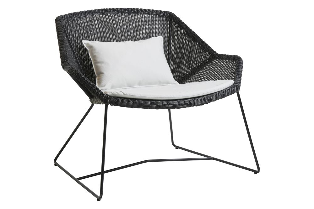 https://res.cloudinary.com/clippings/image/upload/t_big/dpr_auto,f_auto,w_auto/v1573126533/products/breeze-lounge-armchair-with-cushion-cane-line-strandhvass-clippings-11325709.jpg