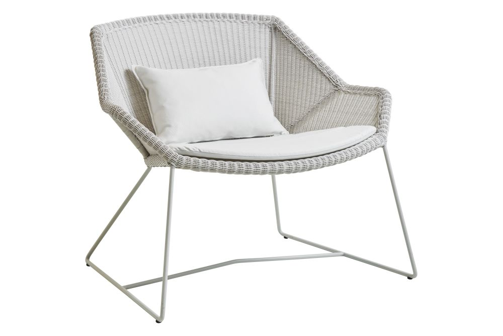 https://res.cloudinary.com/clippings/image/upload/t_big/dpr_auto,f_auto,w_auto/v1573126546/products/breeze-lounge-armchair-with-cushion-cane-line-strandhvass-clippings-11325712.jpg