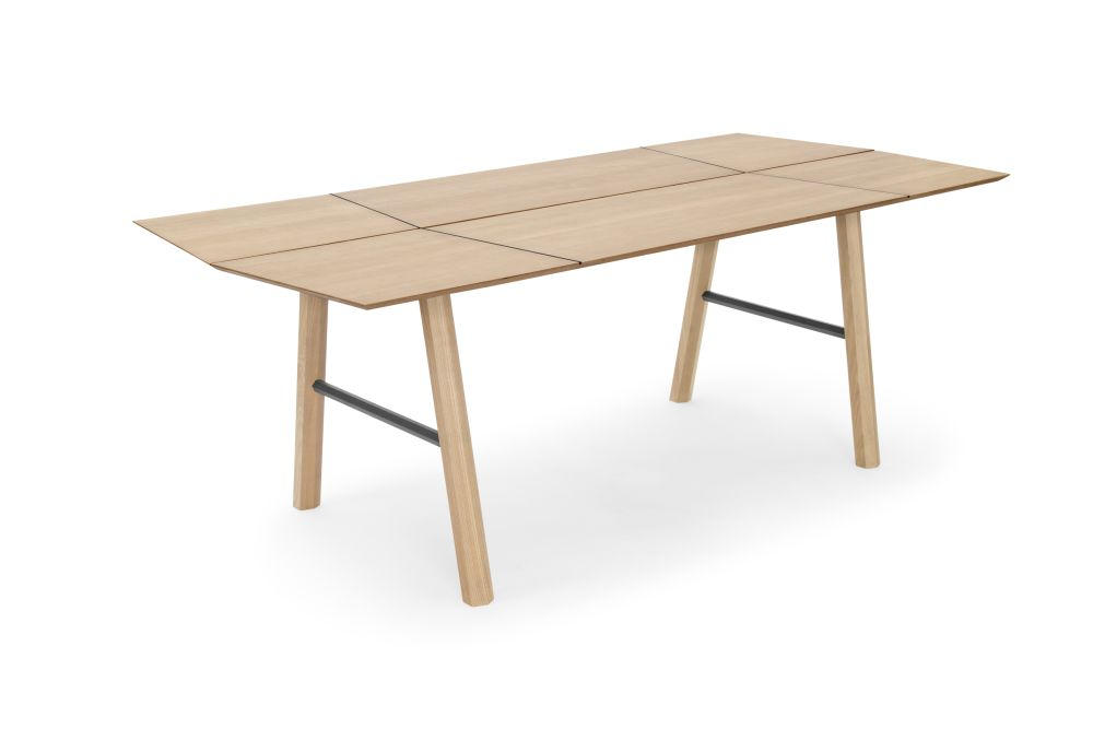 https://res.cloudinary.com/clippings/image/upload/t_big/dpr_auto,f_auto,w_auto/v1573466852/products/savia-dining-table-woodendot-daniel-garc%C3%ADa-s%C3%A1nchez-clippings-11326444.jpg