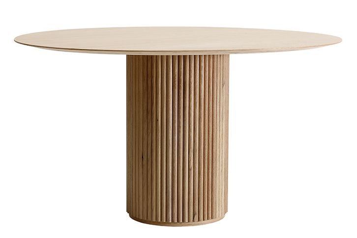 https://res.cloudinary.com/clippings/image/upload/t_big/dpr_auto,f_auto,w_auto/v1573540840/products/palais-royal-side-table-stained-oak-natural-stained-oak-natural-asplund-anya-sebton-eva-lilja-l%C3%B6wenhielm-clippings-11326005.jpg