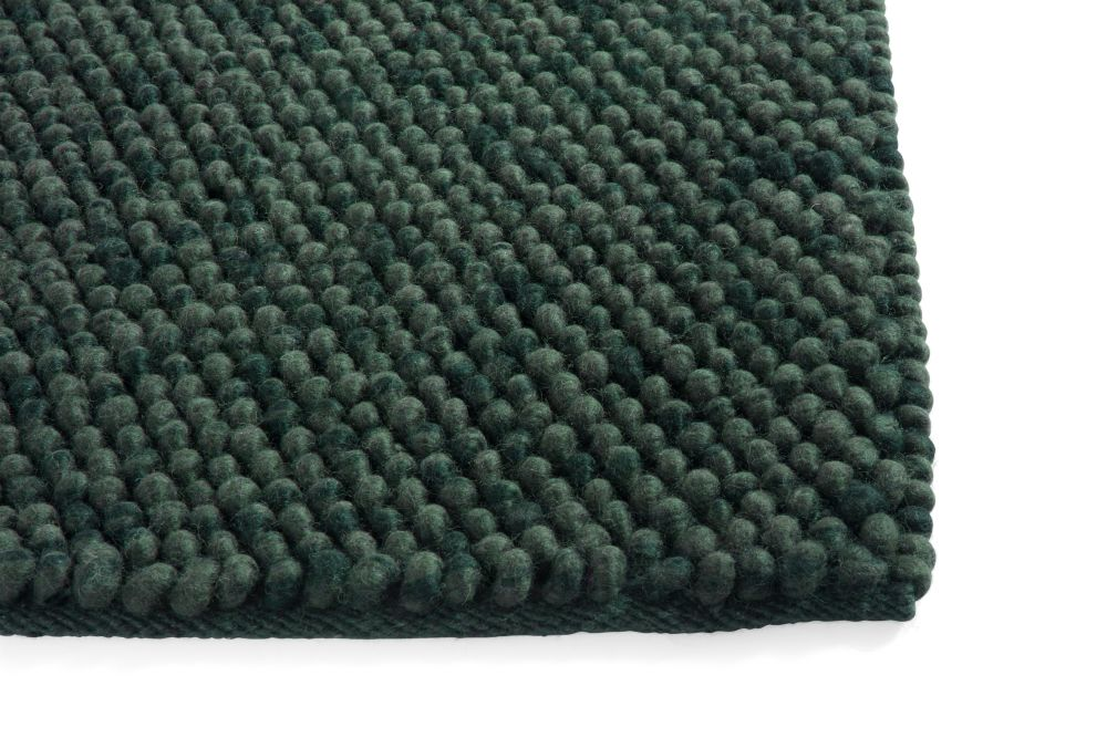 https://res.cloudinary.com/clippings/image/upload/t_big/dpr_auto,f_auto,w_auto/v1574242185/products/peas-rug-hay-hay-clippings-11328625.jpg