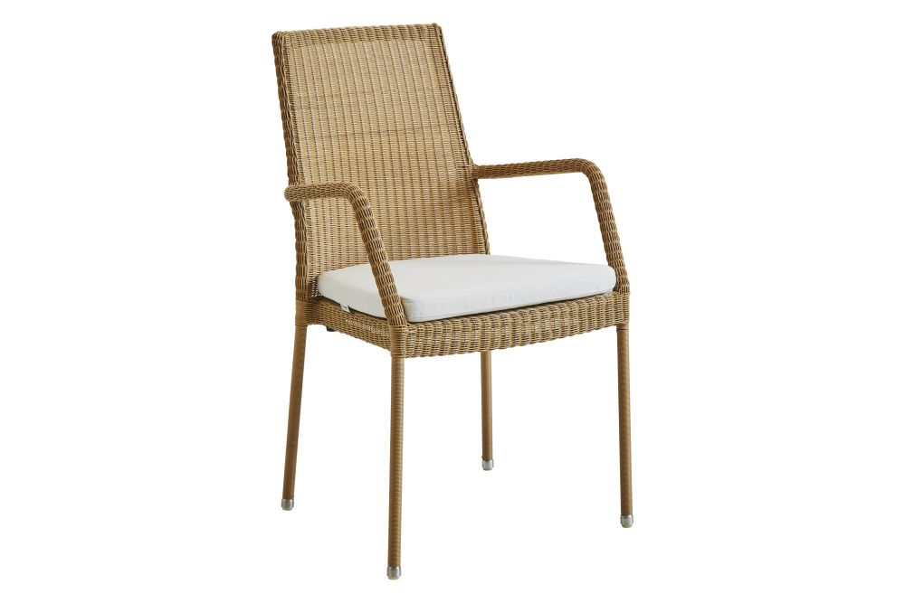 https://res.cloudinary.com/clippings/image/upload/t_big/dpr_auto,f_auto,w_auto/v1574322755/products/newman-armchair-with-cushion-set-of-2-cane-line-cane-line-design-team-clippings-11328799.jpg