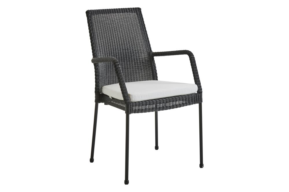 https://res.cloudinary.com/clippings/image/upload/t_big/dpr_auto,f_auto,w_auto/v1574325881/products/newport-armchair-with-cushion-set-of-2-cane-line-cane-line-design-team-clippings-11328828.jpg