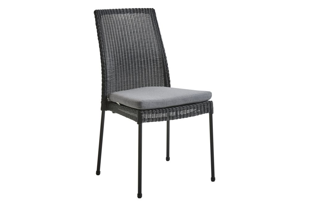 https://res.cloudinary.com/clippings/image/upload/t_big/dpr_auto,f_auto,w_auto/v1574327799/products/newport-dining-chair-with-cushion-set-of-2-cane-line-cane-line-design-team-clippings-11328847.jpg