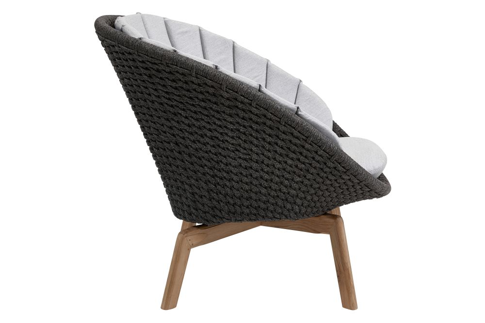 https://res.cloudinary.com/clippings/image/upload/t_big/dpr_auto,f_auto,w_auto/v1574331963/products/peacock-lounge-chair-in-cane-line-soft-rope-with-cushion-cane-line-foersom-hiort-lorenzen-mdd-clippings-11328870.jpg