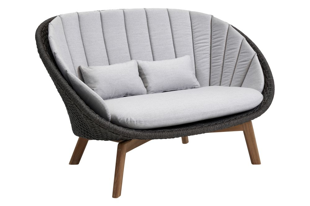 https://res.cloudinary.com/clippings/image/upload/t_big/dpr_auto,f_auto,w_auto/v1574334943/products/peacock-2-seater-sofa-in-cane-line-soft-rope-with-cushion-cane-line-foersom-hiort-lorenzen-mdd-clippings-11328904.jpg