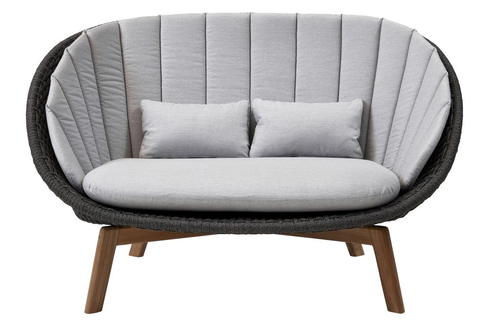 https://res.cloudinary.com/clippings/image/upload/t_big/dpr_auto,f_auto,w_auto/v1574335003/products/peacock-2-seater-sofa-in-cane-line-soft-rope-with-cushion-cane-line-foersom-hiort-lorenzen-mdd-clippings-11328908.jpg