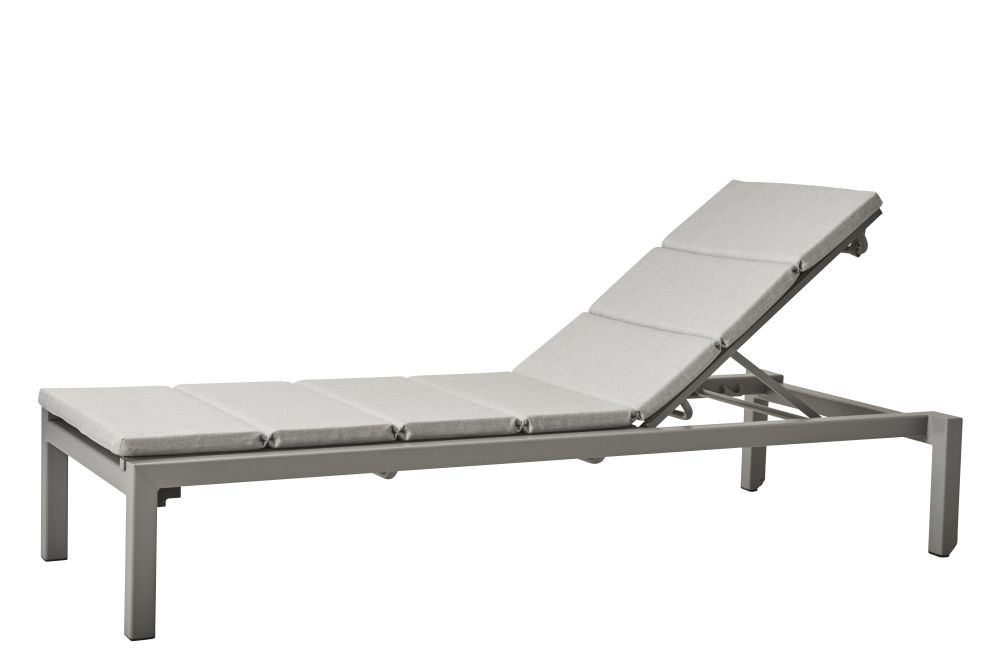 https://res.cloudinary.com/clippings/image/upload/t_big/dpr_auto,f_auto,w_auto/v1574654863/products/relax-sunbed-with-cushion-cane-line-cane-line-design-team-clippings-11329342.jpg