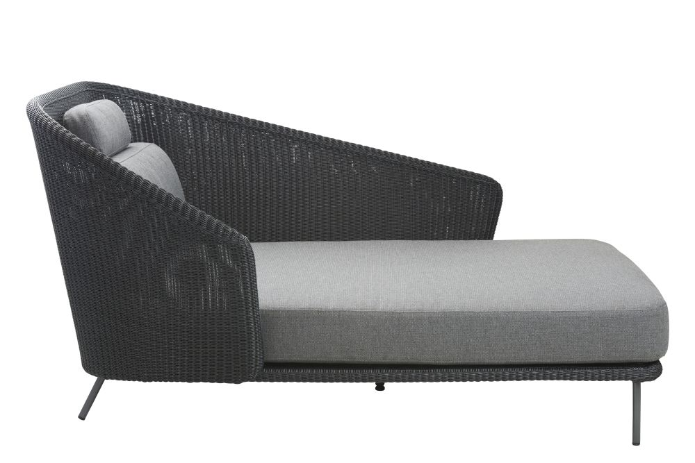 https://res.cloudinary.com/clippings/image/upload/t_big/dpr_auto,f_auto,w_auto/v1574682929/products/mega-daybed-cane-line-bykato-clippings-11329522.jpg