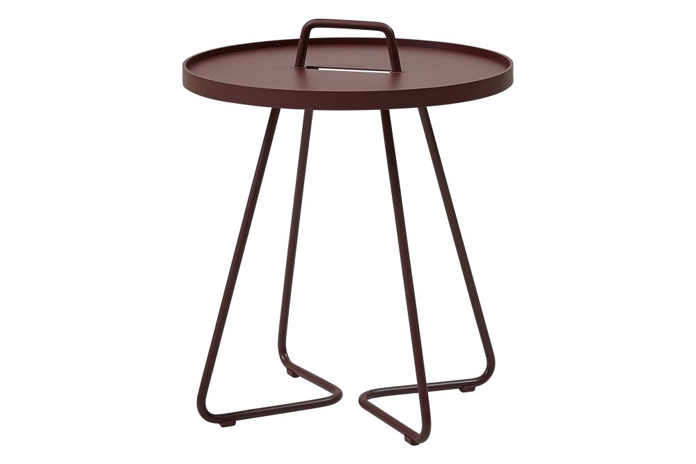 https://res.cloudinary.com/clippings/image/upload/t_big/dpr_auto,f_auto,w_auto/v1574740966/products/on-the-move-small-side-table-set-of-2-cane-line-strandhvass-clippings-11329650.jpg