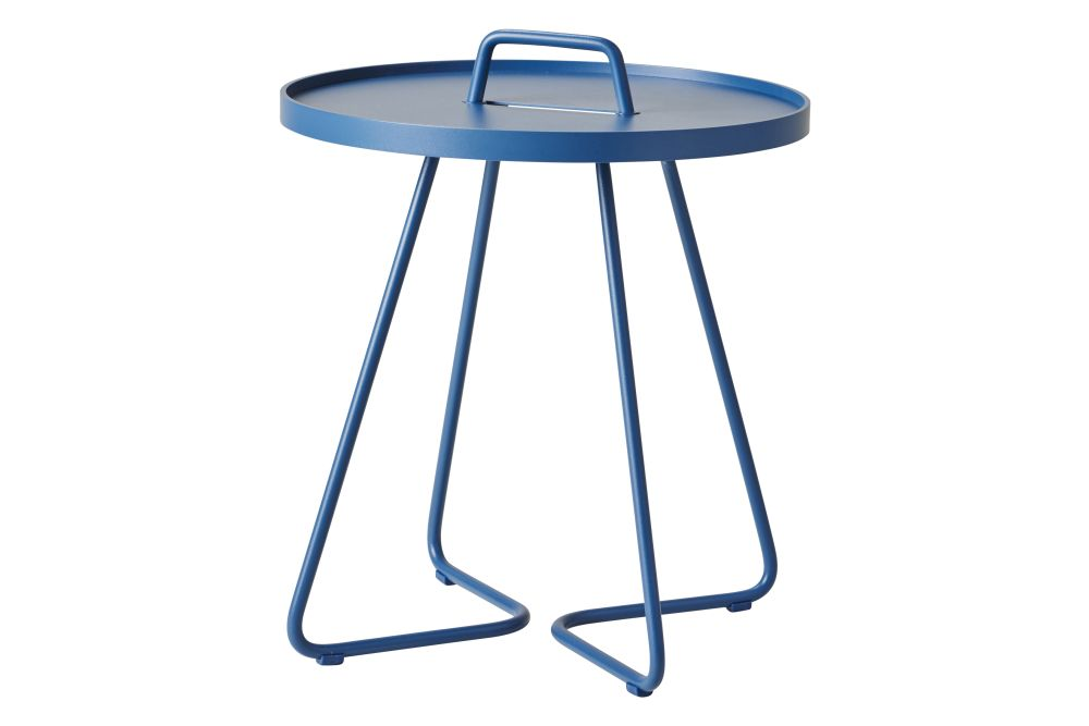 https://res.cloudinary.com/clippings/image/upload/t_big/dpr_auto,f_auto,w_auto/v1574741011/products/on-the-move-small-side-table-set-of-2-cane-line-strandhvass-clippings-11329657.jpg