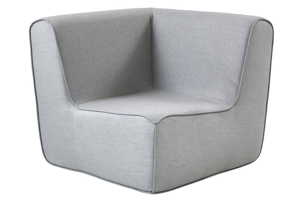 https://res.cloudinary.com/clippings/image/upload/t_big/dpr_auto,f_auto,w_auto/v1575359382/products/foam-corner-module-lounge-chair-cane-line-cane-line-design-team-clippings-11331446.jpg