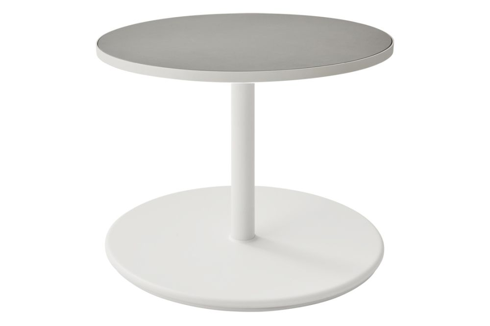 https://res.cloudinary.com/clippings/image/upload/t_big/dpr_auto,f_auto,w_auto/v1575529074/products/go-round-60%C3%B8-coffee-table-cane-line-cane-line-design-team-clippings-11332352.jpg