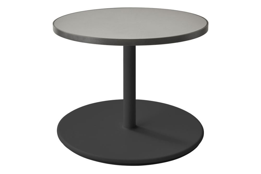 https://res.cloudinary.com/clippings/image/upload/t_big/dpr_auto,f_auto,w_auto/v1575529385/products/go-round-60%C3%B8-coffee-table-cane-line-cane-line-design-team-clippings-11332363.jpg