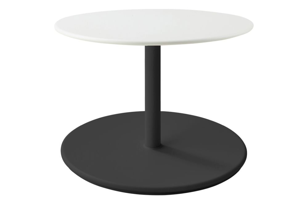 https://res.cloudinary.com/clippings/image/upload/t_big/dpr_auto,f_auto,w_auto/v1575529388/products/go-round-60%C3%B8-coffee-table-cane-line-cane-line-design-team-clippings-11332367.jpg