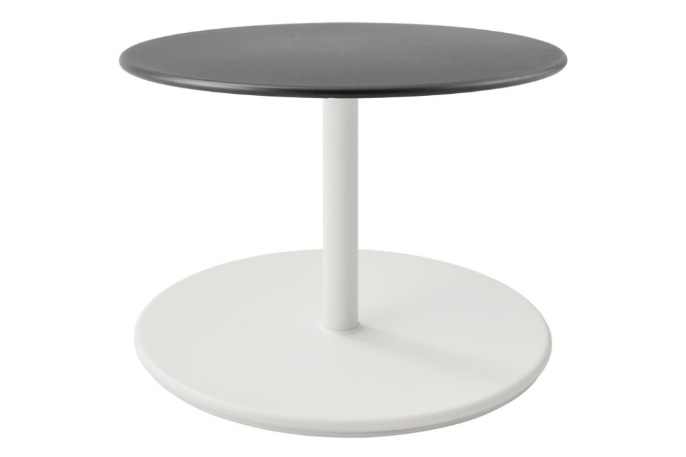 https://res.cloudinary.com/clippings/image/upload/t_big/dpr_auto,f_auto,w_auto/v1575529393/products/go-round-60%C3%B8-coffee-table-cane-line-cane-line-design-team-clippings-11332375.jpg