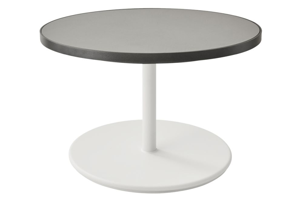 https://res.cloudinary.com/clippings/image/upload/t_big/dpr_auto,f_auto,w_auto/v1575531762/products/go-round-75%C3%B8-coffee-table-cane-line-cane-line-design-team-clippings-11332448.jpg