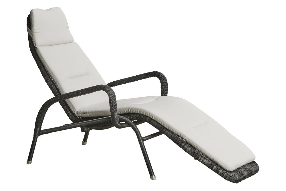 https://res.cloudinary.com/clippings/image/upload/t_big/dpr_auto,f_auto,w_auto/v1575627777/products/sunrise-lounge-chair-with-cushion-cane-line-cane-line-design-team-clippings-11332824.jpg