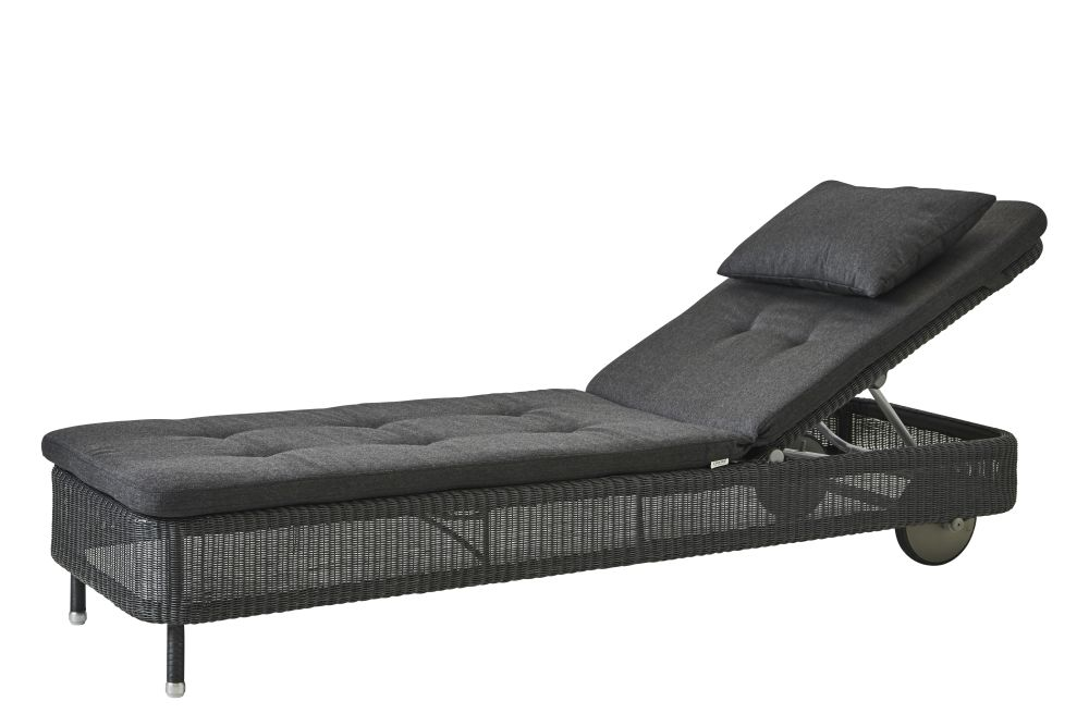 https://res.cloudinary.com/clippings/image/upload/t_big/dpr_auto,f_auto,w_auto/v1576831810/products/presley-sunbed-with-cushion-cane-line-cane-line-design-team-clippings-11338228.jpg