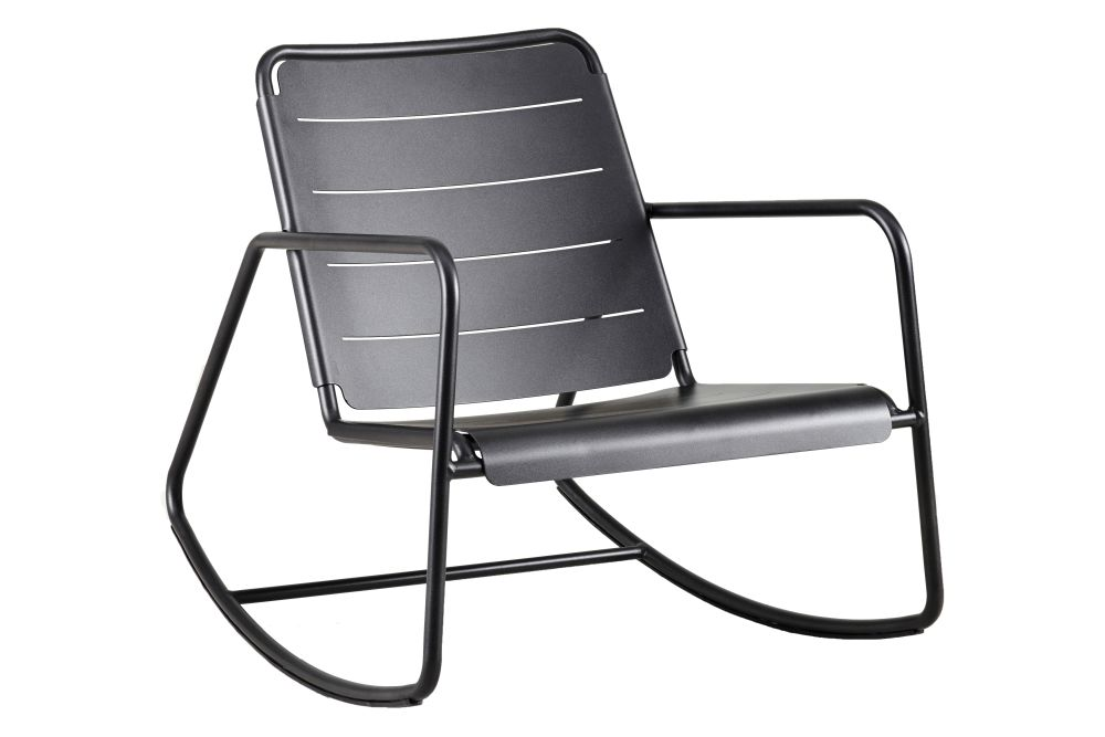 https://res.cloudinary.com/clippings/image/upload/t_big/dpr_auto,f_auto,w_auto/v1578051933/products/copenhagen-rocking-chair-cane-line-strandhvass-clippings-11339899.jpg