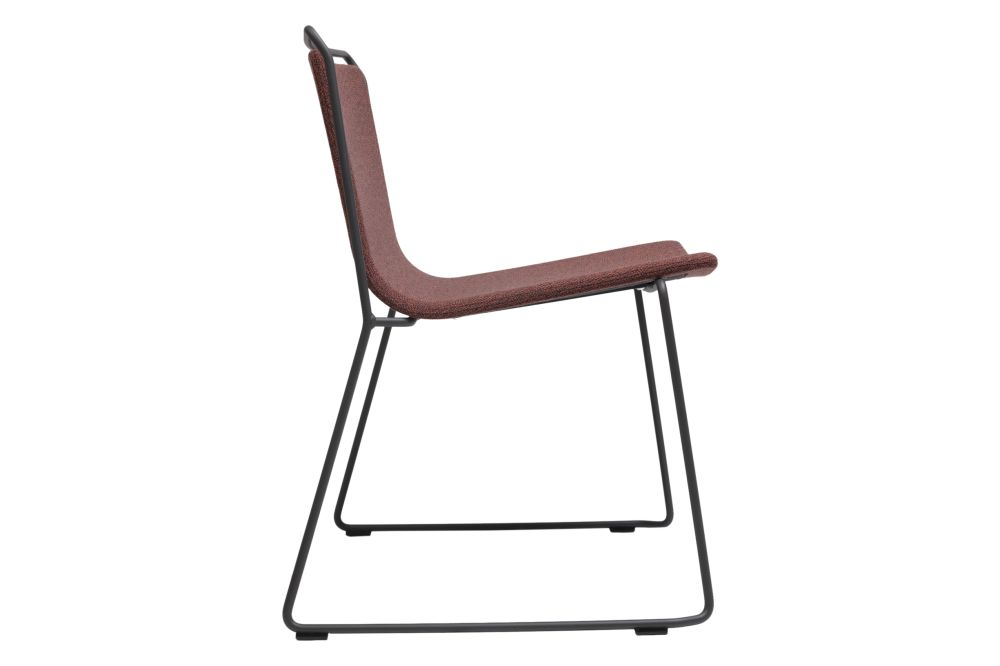 https://res.cloudinary.com/clippings/image/upload/t_big/dpr_auto,f_auto,w_auto/v1579688287/products/alo-xl-fully-upholstered-chair-ondarreta-gabriel-teixid%C3%B3-clippings-11330494.jpg