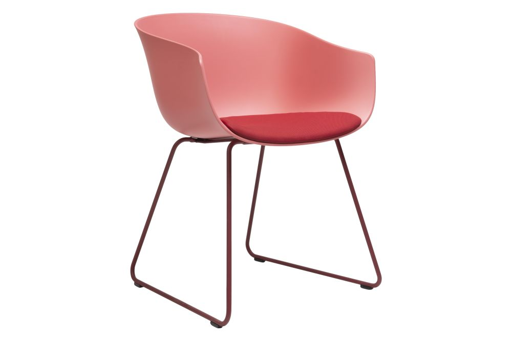 https://res.cloudinary.com/clippings/image/upload/t_big/dpr_auto,f_auto,w_auto/v1579755964/products/bai-armchair-upholstered-sled-base-ondarreta-ander-lizaso-clippings-11344875.jpg
