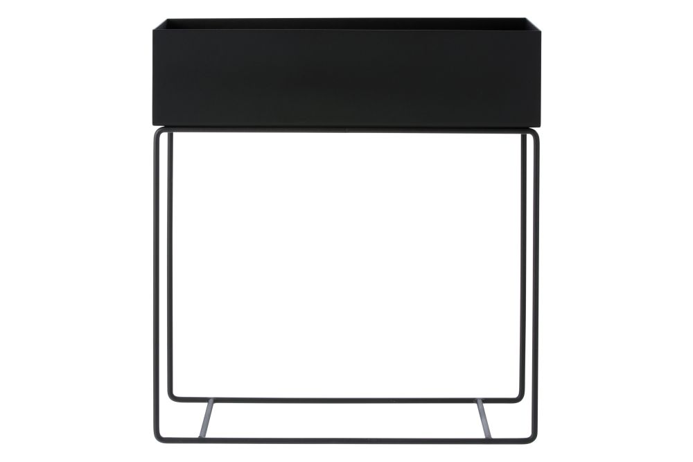 https://res.cloudinary.com/clippings/image/upload/t_big/dpr_auto,f_auto,w_auto/v1580131654/products/plant-box-metal-black-ferm-living-clippings-9886581.jpg