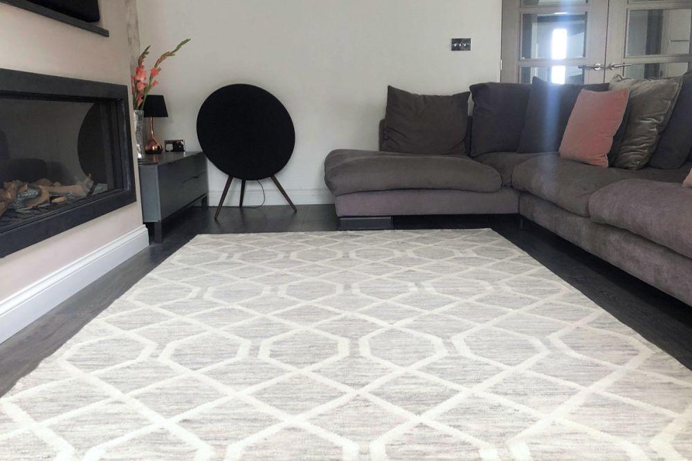 grey geometric rug in living room