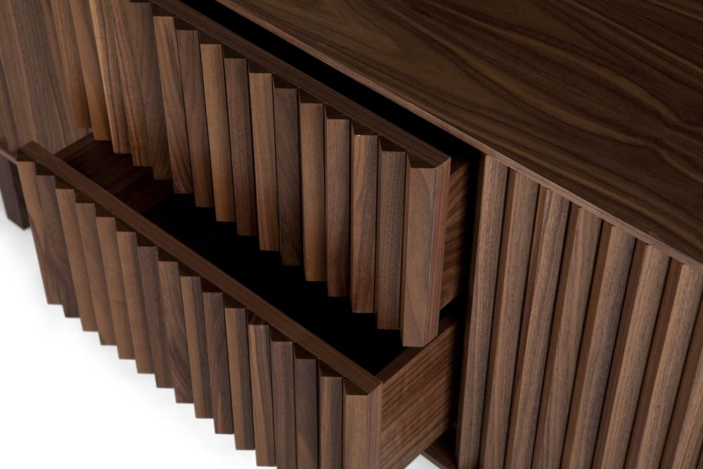 https://res.cloudinary.com/clippings/image/upload/t_big/dpr_auto,f_auto,w_auto/v1585201037/products/clair-sideboard-american-walnut-warm-corinna-warm-clippings-11360131.jpg