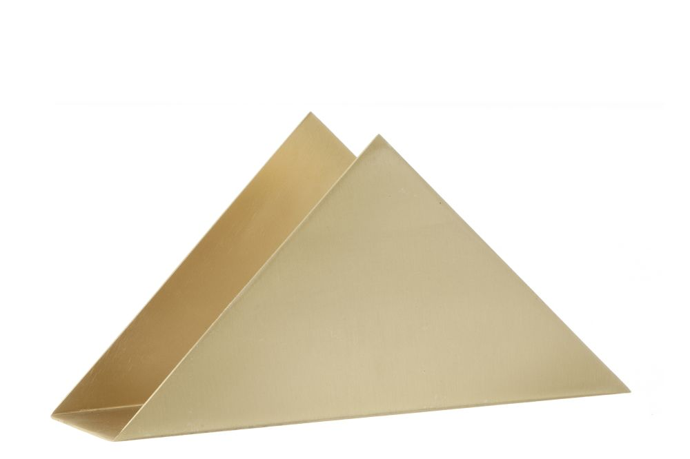 https://res.cloudinary.com/clippings/image/upload/t_big/dpr_auto,f_auto,w_auto/v1586423113/products/brass-triangle-stand-ferm-living-clippings-11363812.jpg