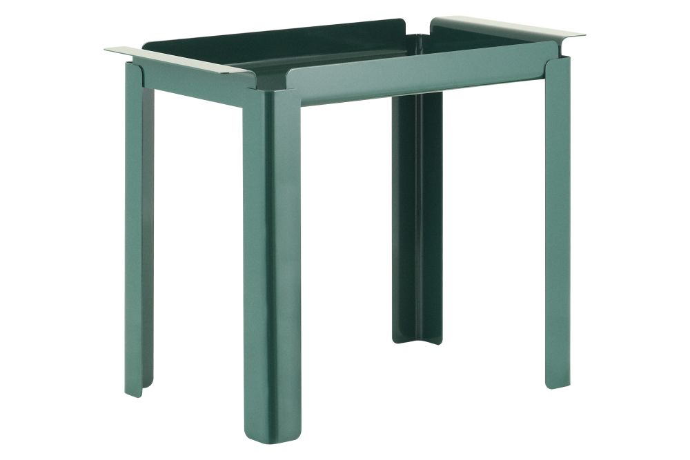 https://res.cloudinary.com/clippings/image/upload/t_big/dpr_auto,f_auto,w_auto/v1589750405/products/box-side-table-normann-copenhagen-peter-johansen-clippings-11410271.jpg