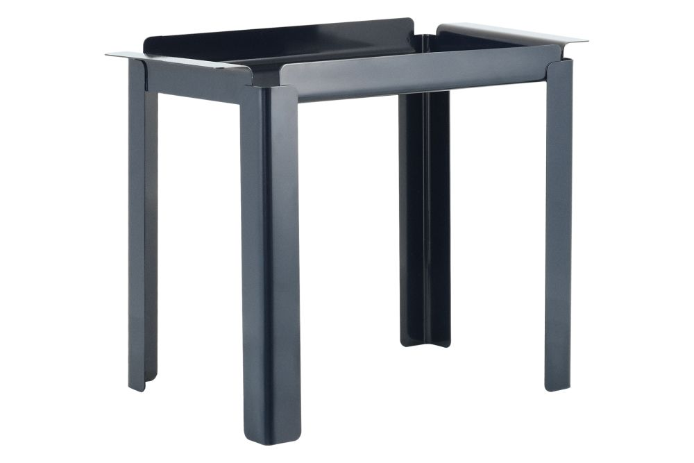https://res.cloudinary.com/clippings/image/upload/t_big/dpr_auto,f_auto,w_auto/v1589750419/products/box-side-table-normann-copenhagen-peter-johansen-clippings-11410274.jpg