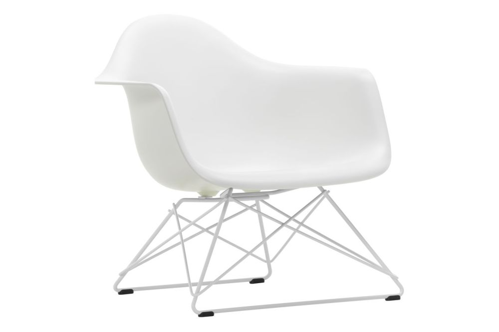 https://res.cloudinary.com/clippings/image/upload/t_big/dpr_auto,f_auto,w_auto/v1591177130/products/eames-lar-plastic-armchair-vitra-charles-ray-eames-clippings-11414096.jpg