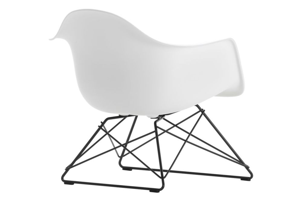 https://res.cloudinary.com/clippings/image/upload/t_big/dpr_auto,f_auto,w_auto/v1591177143/products/eames-lar-plastic-armchair-vitra-charles-ray-eames-clippings-11414099.jpg