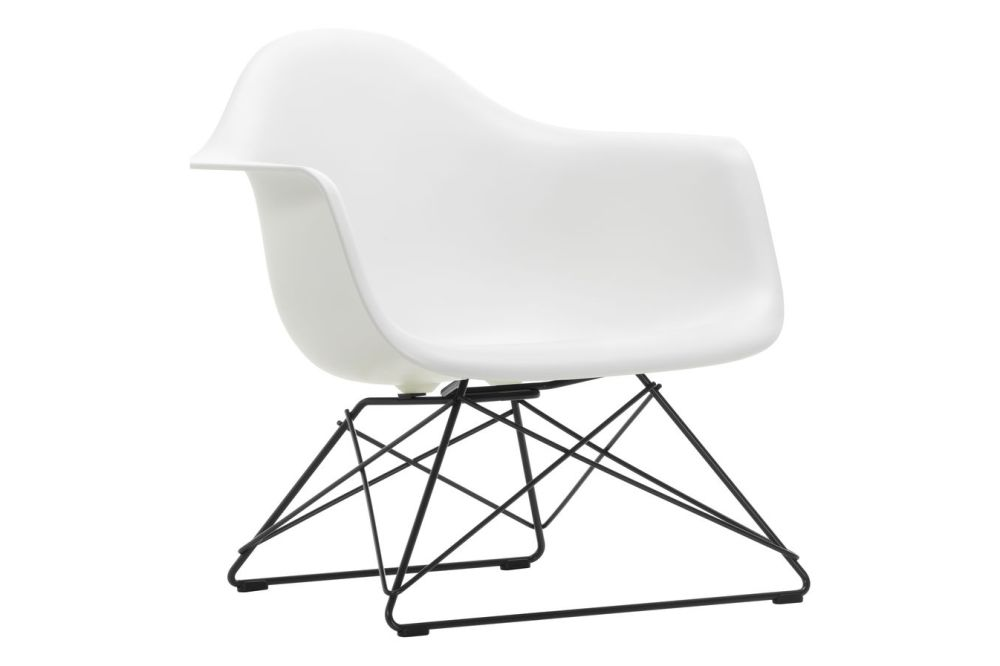 https://res.cloudinary.com/clippings/image/upload/t_big/dpr_auto,f_auto,w_auto/v1591177145/products/eames-lar-plastic-armchair-vitra-charles-ray-eames-clippings-11414100.jpg