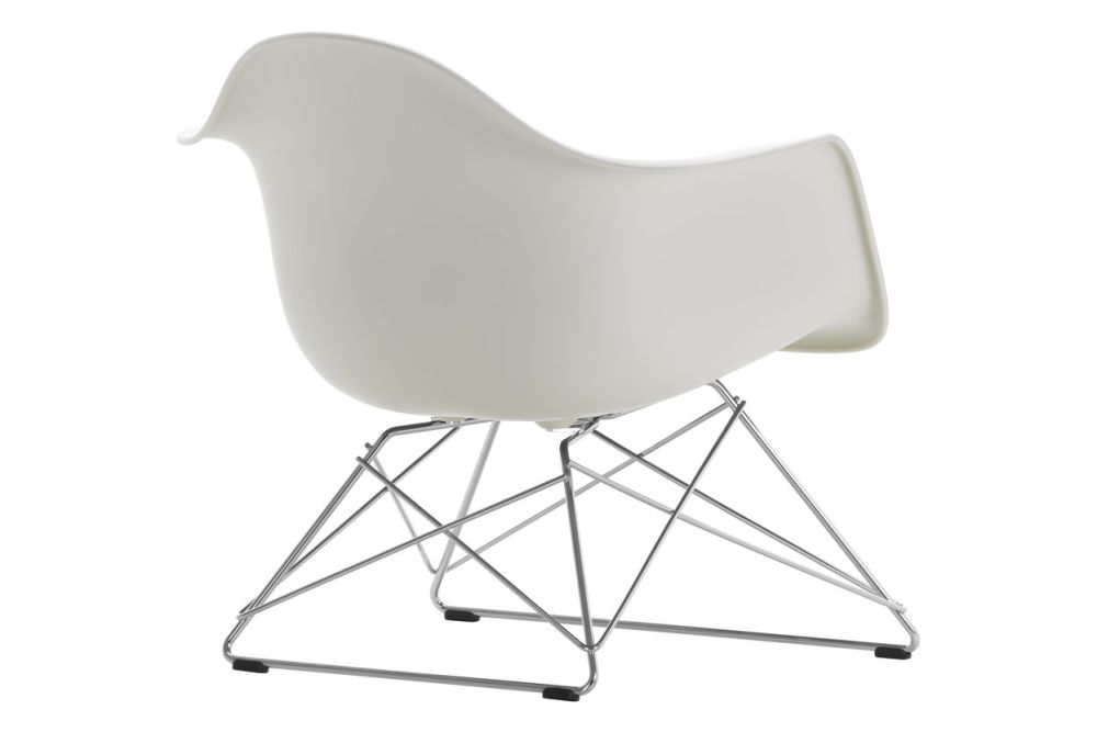 https://res.cloudinary.com/clippings/image/upload/t_big/dpr_auto,f_auto,w_auto/v1591177274/products/eames-lar-plastic-armchair-vitra-charles-ray-eames-clippings-11414108.jpg