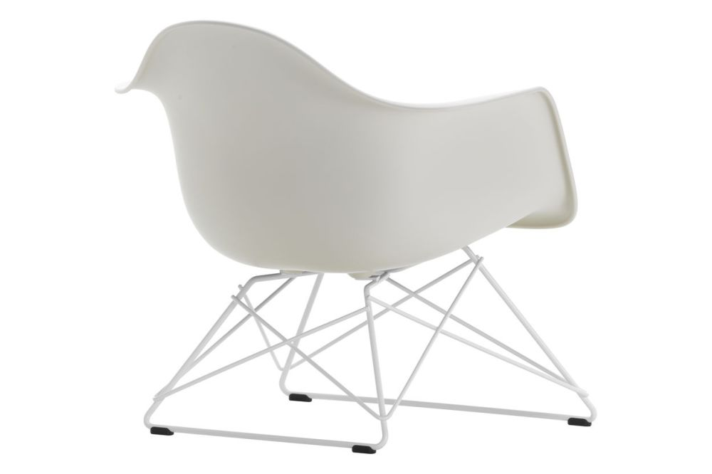 https://res.cloudinary.com/clippings/image/upload/t_big/dpr_auto,f_auto,w_auto/v1591177288/products/eames-lar-plastic-armchair-vitra-charles-ray-eames-clippings-11414110.jpg