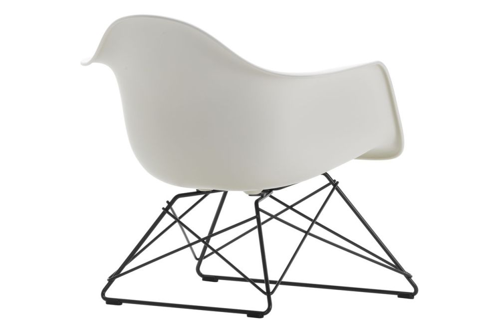 https://res.cloudinary.com/clippings/image/upload/t_big/dpr_auto,f_auto,w_auto/v1591177323/products/eames-lar-plastic-armchair-vitra-charles-ray-eames-clippings-11414114.jpg