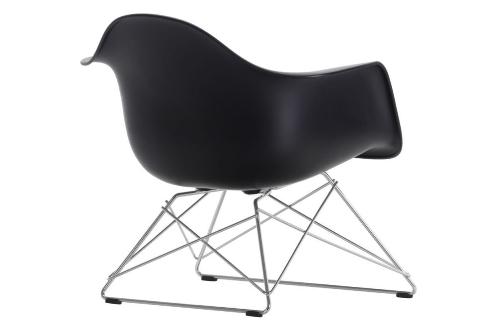 https://res.cloudinary.com/clippings/image/upload/t_big/dpr_auto,f_auto,w_auto/v1591177413/products/eames-lar-plastic-armchair-vitra-charles-ray-eames-clippings-11414120.jpg