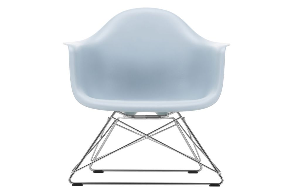 https://res.cloudinary.com/clippings/image/upload/t_big/dpr_auto,f_auto,w_auto/v1591177467/products/eames-lar-plastic-armchair-vitra-charles-ray-eames-clippings-11414127.jpg