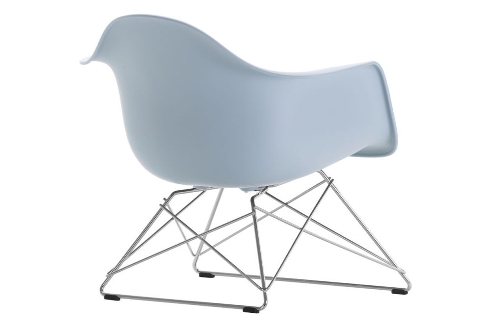 https://res.cloudinary.com/clippings/image/upload/t_big/dpr_auto,f_auto,w_auto/v1591177479/products/eames-lar-plastic-armchair-vitra-charles-ray-eames-clippings-11414130.jpg
