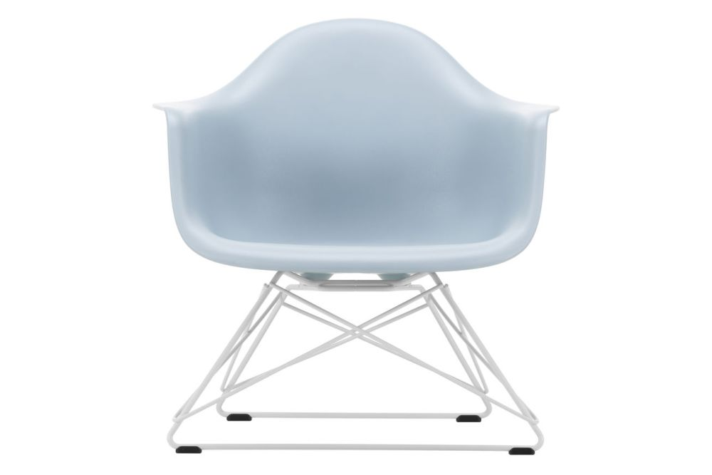 https://res.cloudinary.com/clippings/image/upload/t_big/dpr_auto,f_auto,w_auto/v1591177481/products/eames-lar-plastic-armchair-vitra-charles-ray-eames-clippings-11414132.jpg